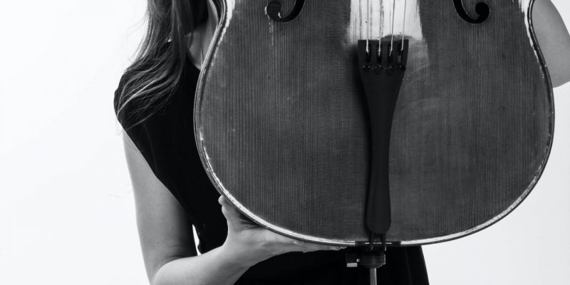 Buying A Cello: 7 Quick and Easy Tips!