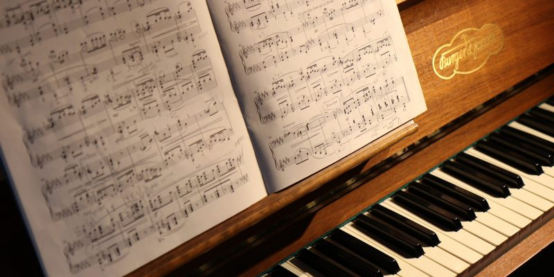 Piano Songs To Learn, 10 Entertaining Tunes!